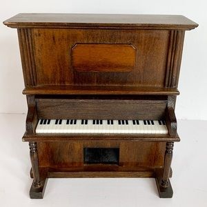 Miniature Piano Music Box